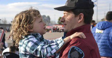 Un policía de la Ciudad le salvó la vida a un niño de tres años en el barrio de Barracas